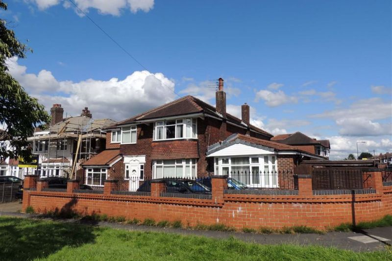 7 bed Detached House For Auction