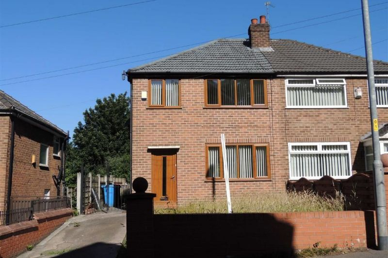 8 Berry Brow, Manchester, M40 1GG