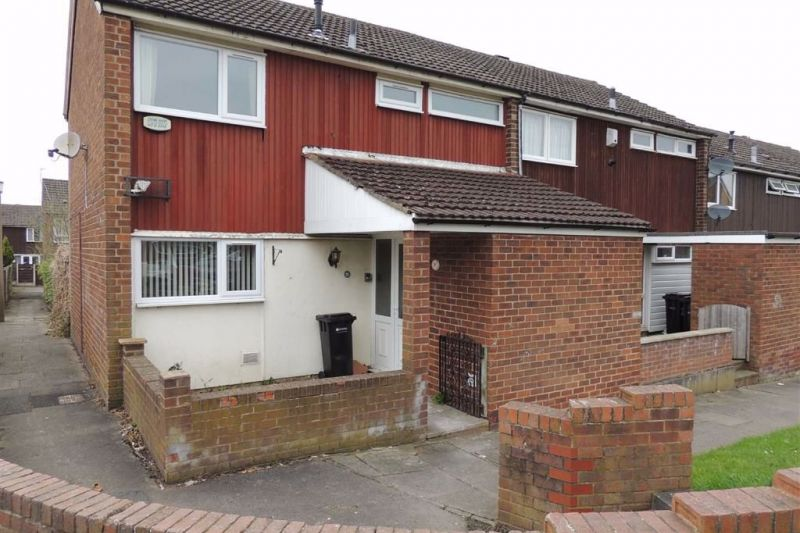 3 bed End Terrace House To Let