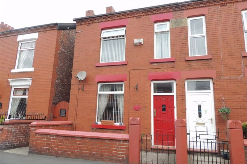 Property at Moorfield Avenue, Denton, Manchester