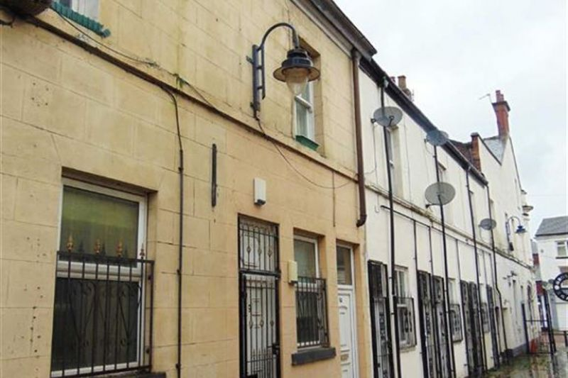3 bed Deplex Flat For Auction