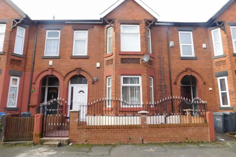 6 bed Terraced House For Sale