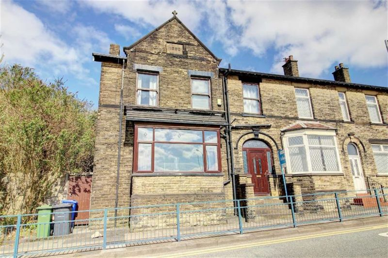 4 bed Semi-detached House For Auction