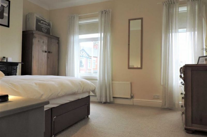 Bedroom 1 - Elmsworth Avenue, Manchester