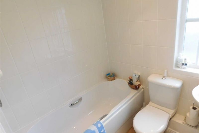 Bathroom - Kennett Drive, Bredbury, Stockport
