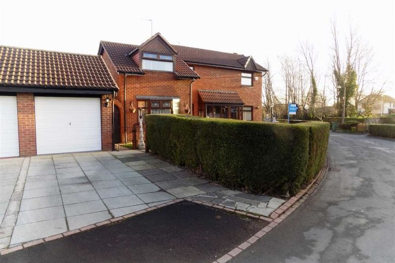 Exterior - Hollow Vale Drive, Stockport