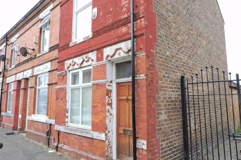 2 bed New End Terrace For Sale