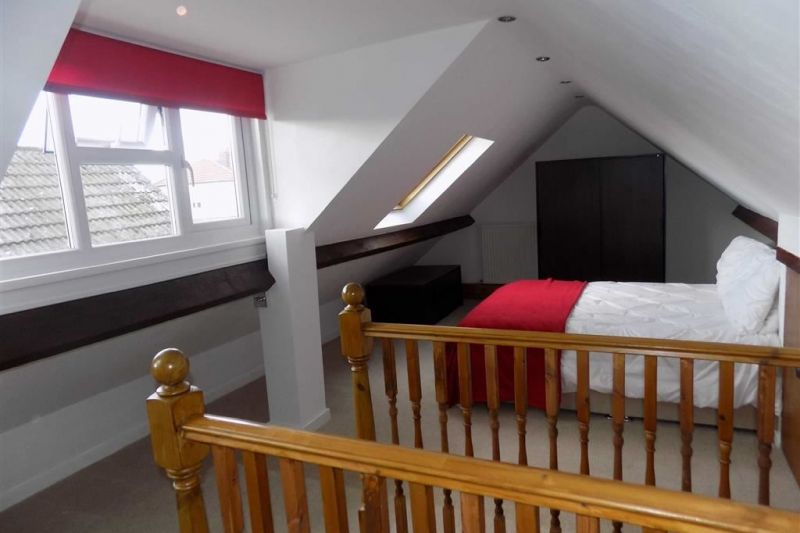 MASTER SUITE - The Drive, Bredbury, Stockport