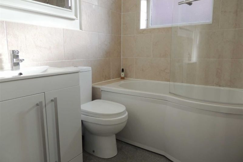Family Bathroom - Shearwater Road, Offerton, Stockport