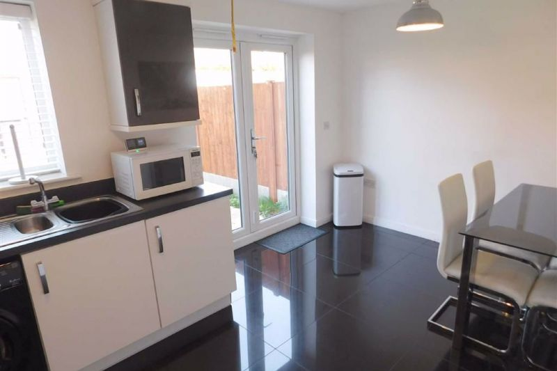 Dining Kitchen - Beekeeper Close, Offerton, Stockport
