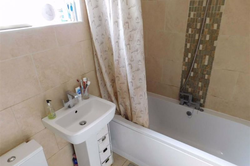 Bathroom - Hampstead Drive, Great Moor, Stockport