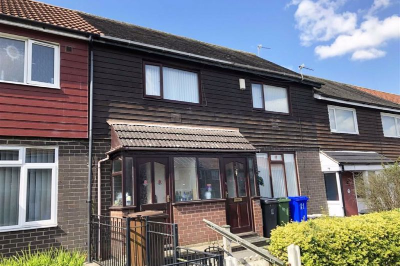 3 bed Mid-terrace house For Auction