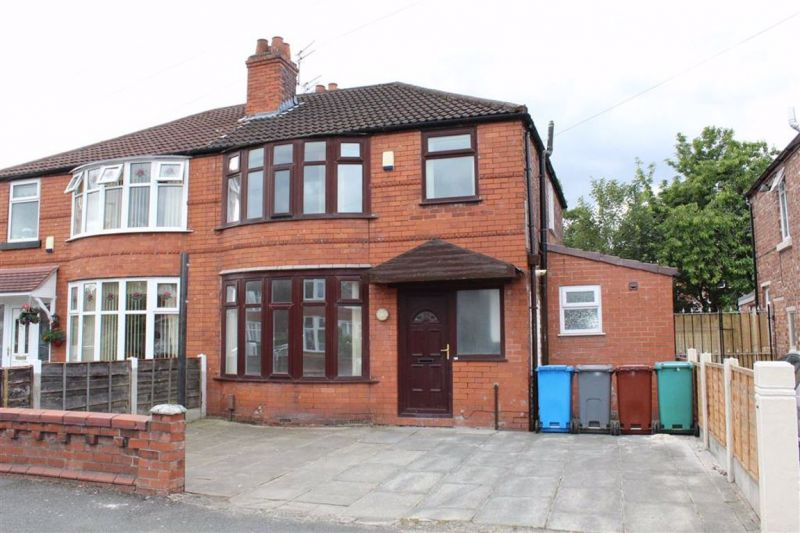 7 bed Semi-detached House For Sale