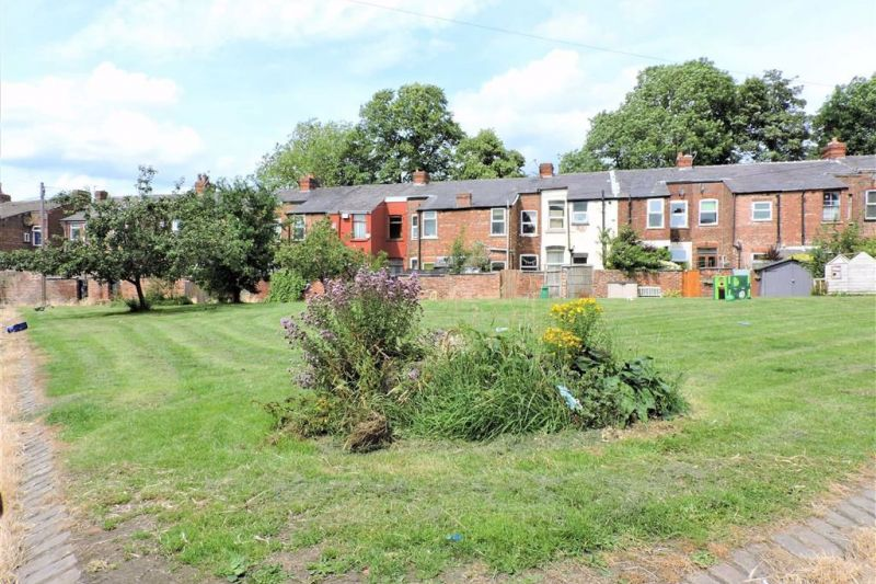 Communal Green Space - Elmsworth Avenue, Manchester