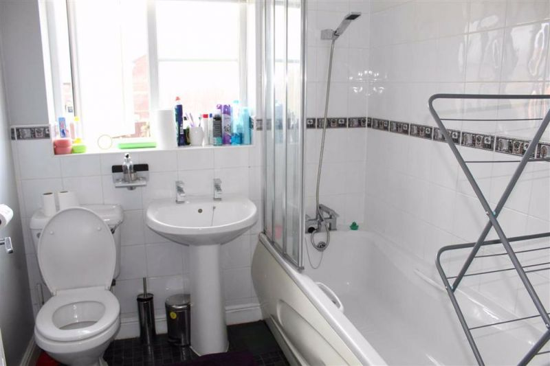 Family Bathroom - Higher Meadows, Levenshulme, Manchester