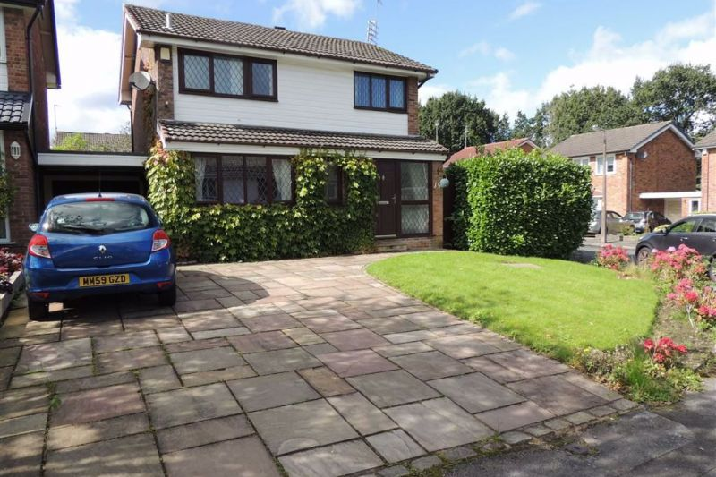 3 bed Link Detached House For Sale