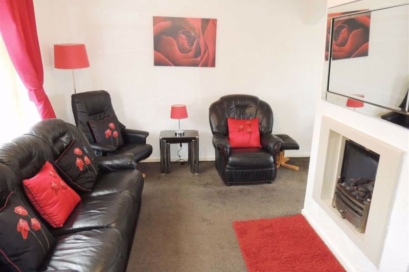 Barnoldswick Reflects Stalybridge Büro Set