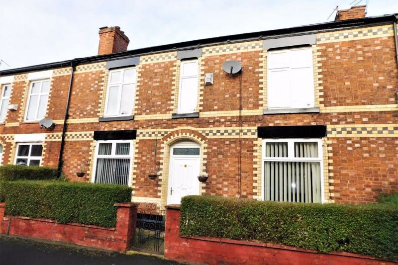 4 bed Mid-terrace house For Sale