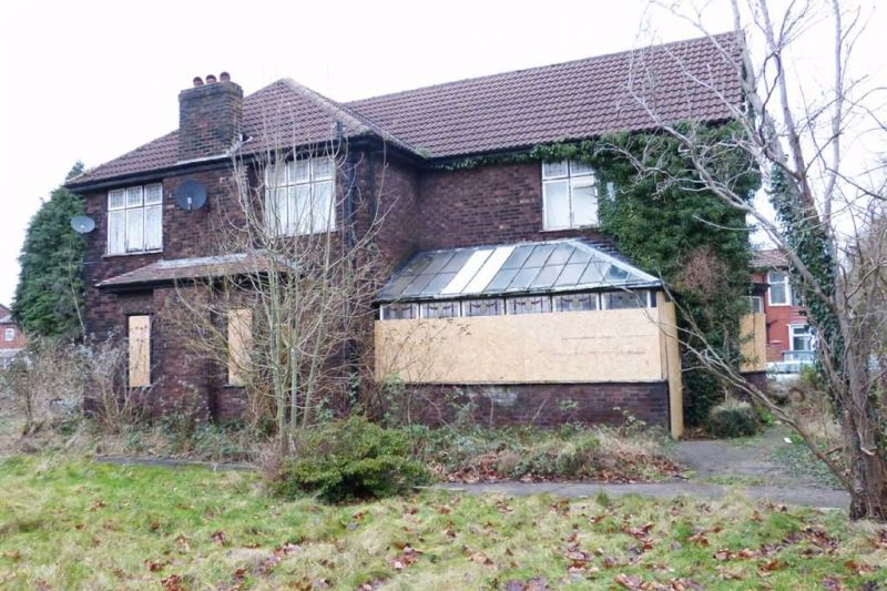 4 bed Detached House For Auction