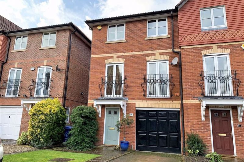 4 bed End Town House For Sale