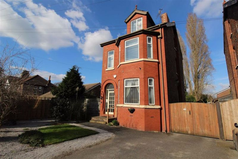 5 bed Detached House For Auction