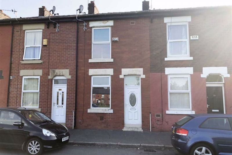 2 bed Mid-terrace house For Auction