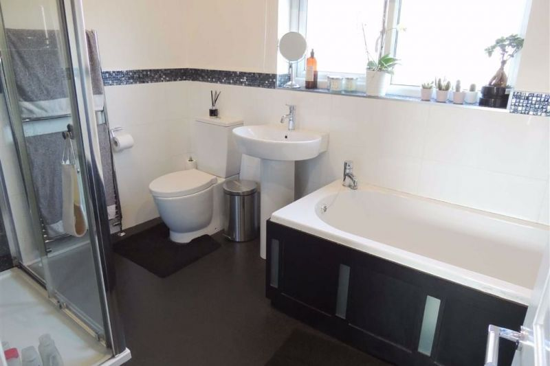 Family Bathroom - Cherry Tree Lane, Great Moor, Stockport