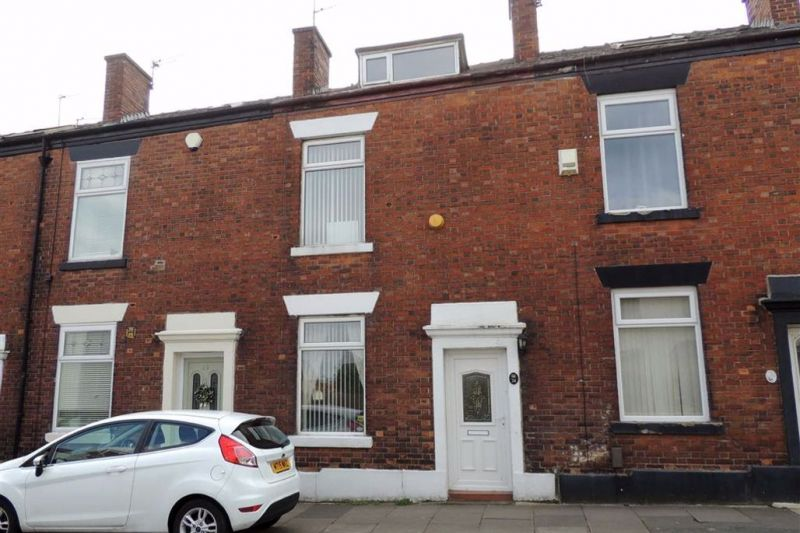 2 bed Terraced House For Auction