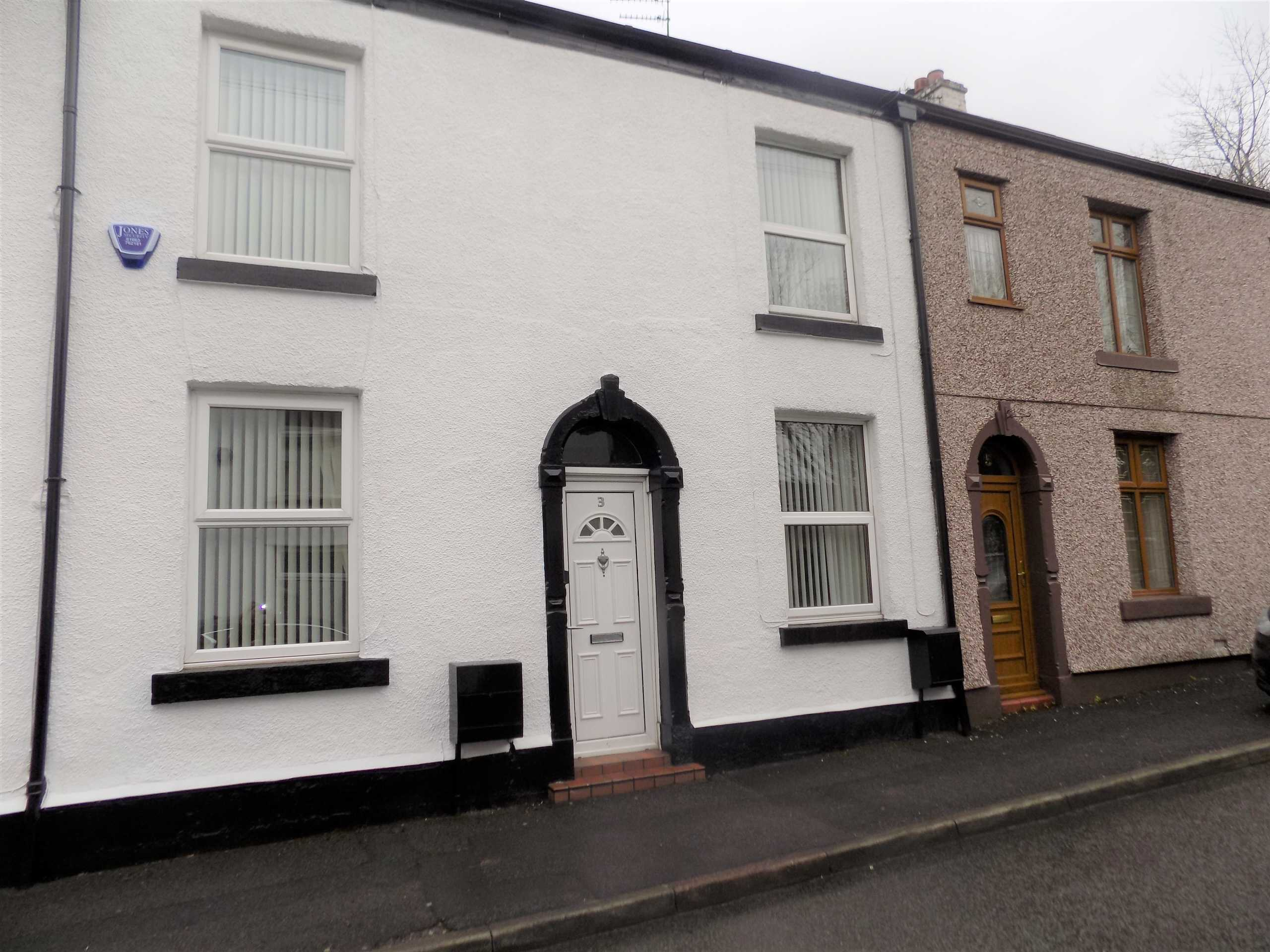 External image of a property on Pine Street