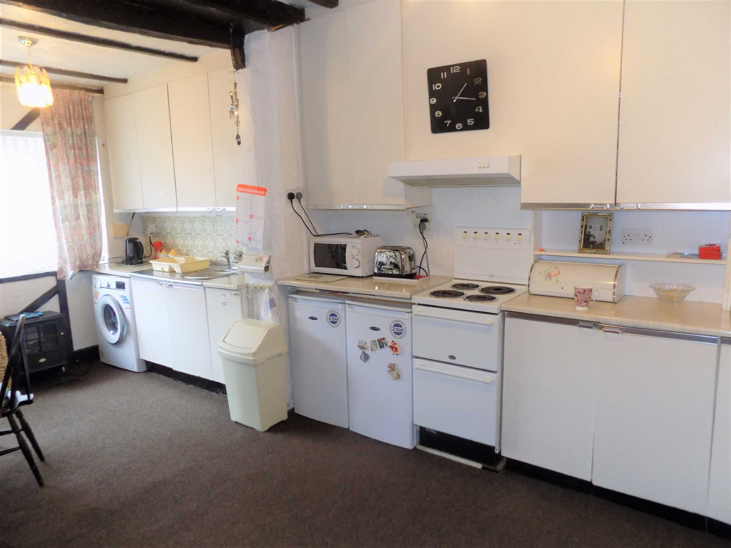 An internal image of a property - Kitchen of Pine street